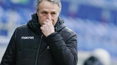 Hat nach Bayern mit Wolfsburg das nächste Bundesliga-Spitzenteam vor der Brust: Bielefeld-Coach Uwe Neuhaus.