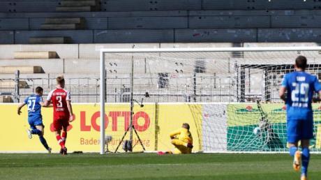 Das Tor von Andrej Kramaric (l) reichte 1899 Hoffenheim letztlich in Freiburg nicht zum Sieg.