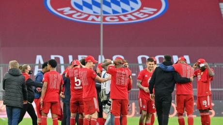 Einige Stars des FC Bayern dürfen sich in ihrem Quarantäne-Hotel über die Unterstützung ihrer Liebsten freuen.lassen.