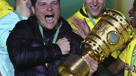Rückt als Pokalsieger wieder ins zweite Glied: BVB-Coach Edin Terzic.