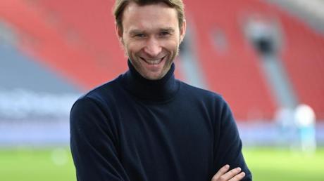 Beschäftigt sich erst nach Saisonende mit der Trainerfrage in Leverkusen: Bayer-Sportdirektor Simon Rolfes.
