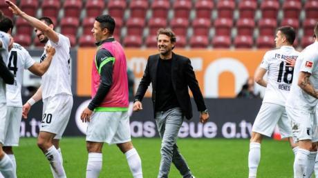 Der Vertrag von Trainer Markus Weinzierl beim FC Augsburg läuft nun noch eine weitere Saison.