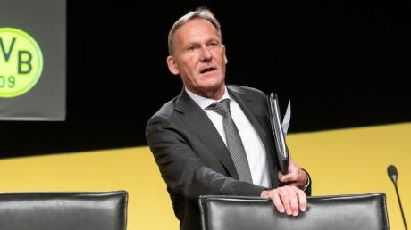 Hans-Joachim Watzke glaubt an eine Rückkehr der Zuschauer in die Fußballstadien.