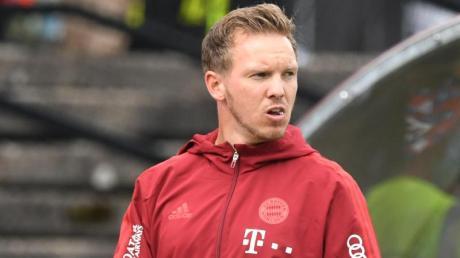 Bayerns Trainer Julian Nagelsmann während des ersten Testspiels gegen den 1. FC Köln.
