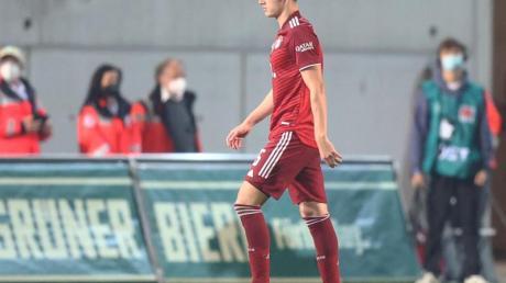 Bayerns Benjamin Pavard hatte in der Partie in Fürth die Rote Karte gesehen.