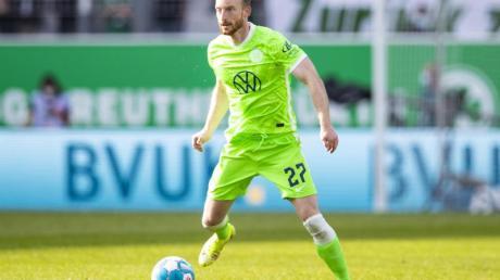Arnold ist mit seinem 259. Einsatz für den VfLWolfsburg mit dem bisherigen Rekordspieler, Torwart Diego Benaglio, gleichgezogen.