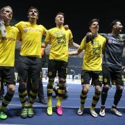 Die Dortmunder würden ihren Kapitän Mats Hummels (2.v.l.) gerne halten. Foto: Kay Nietfeld