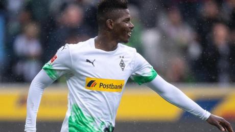 Fehlt Gladbach im Pokalknaller gegen den BVB: Breel Embolo. Foto: Marius Becker/dpa