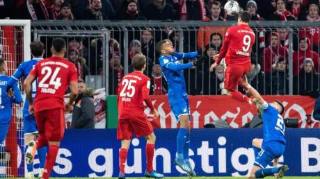 Robert Lewandowski sorgte mit seinem Kopfballtreffer für die Vorentscheidung beim Bayern-Sieg gegen Hoffenheim.