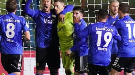 Der 1. FC Saarbrücken steht nach Sieg im Elfmeterschießen im Pokal-Halbfinale.