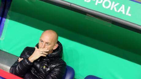 Ist trotz eigentlichem Traumlos vergrätzt: Der Duisburger Trainer Torsten Lieberknecht.