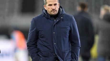 Musste sich fragen lassen, ob Schalke gegen den Viertligisten FC Schweinfurt überhaupt der Favorit sei: Cheftrainer Manuel Baum.