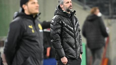 BVB-Coach Edin Terzic (vorne) behielt im Duell mit seinem zukünftigen Chef Marco Rose die Oberhand.