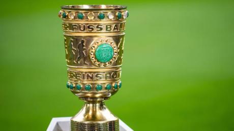 Die Amateur-Clubs bekommen meist eine finanzielle Entschädigung, weil sie sich nicht für den DFB-Pokal qualifizieren können.