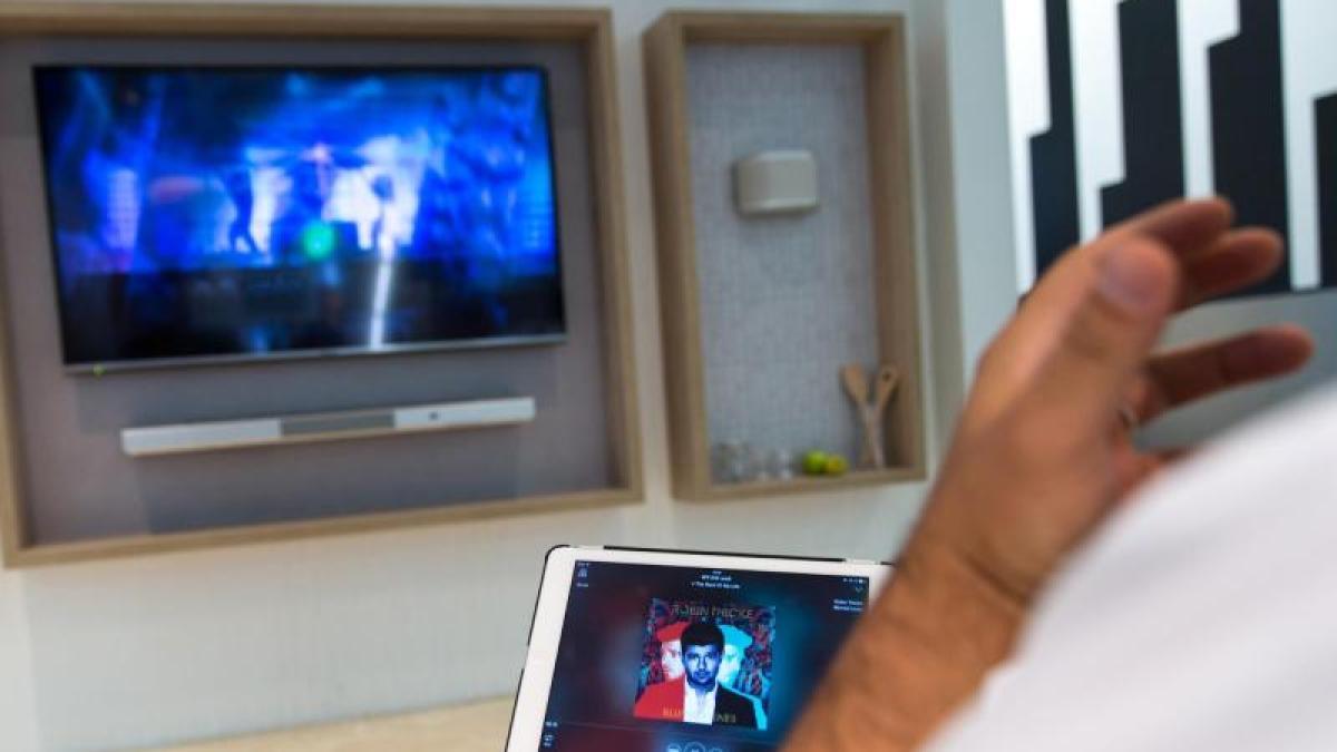 technik musik clever verteilen multiroomsysteme auf der ifa digital augsburger allgemeine. Black Bedroom Furniture Sets. Home Design Ideas