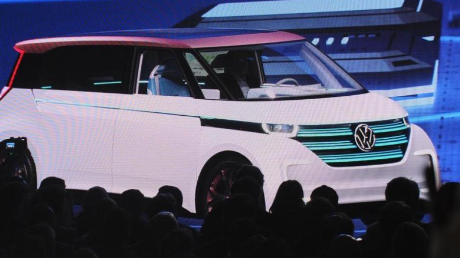 Vw Auto Kühlschrank : Auto vw stellt modernisierten kleinbus mit elektroantrieb vor