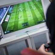 Laut Angaben der Marktforscher von GfK war «FIFA 18» das meistverkaufte Videospiel in Europa. Foto: Sebastian Gollnow/dpa