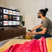 Mag schon sein, dass Online-Anbieter wie Maxdome, Amazon Prime oder Netflix auf dem Vormarsch sind. Am häufigsten flimmert das TV-Signal aber immer noch linear über die Bildschirme.