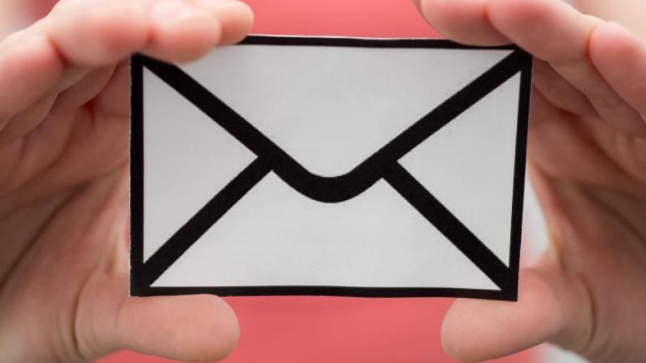 Weihnachtsgrüße Verschicken Mit Email.Vorsicht Bei Anhängen Virenverseuchte Weihnachtsgrüße Per Mail Im