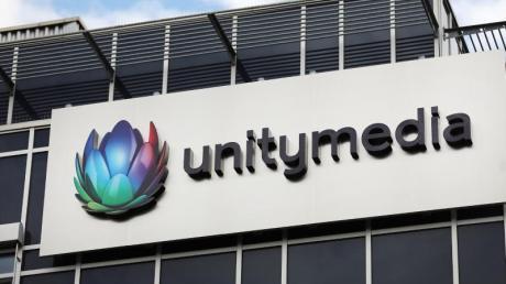 Vodafone darf den Kabelanbieter Unitymedia übernehmen - allerdings nur unter Auflagen.