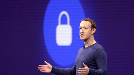 Facebook-Chef Mark Zuckerberg geht auf ndie klassischen Medienunternehmen zu.