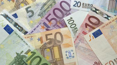 Die Haushaltszahlen gab Bürgermeister Karl Weiß in der Bürgerversammlung für Waltenhausen bekannt. Der Gesamthaushalt umfasst rund zwei Millionen Euro.