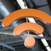 WLAN überall: Internetanbieter dürfen auf Routern ungefragt teilöffentliche Hotspots aktivieren, wenn sie den Kunden ein Widerspruchsrecht einräumen. Foto: Andrea Warnecke/dpa-tmn