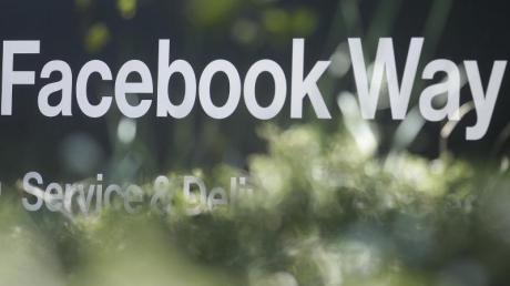 Das Online-Netzwerk Facebook hat eine neue globale Währung erfunden. Das Digitalgeld mit dem Namen Libra basiert ähnlich wie der Bitcoin auf der sogenannten Blockchain-Technologie. Foto: Jeff Chiu/AP