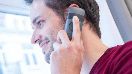 Günstig, strahlungsarm und eine gute Gesprächsqualität: Es gibt viele Gründe warum man seinen Festnetzanschluss nutzen sollte.