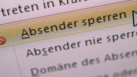 Betrüger aussperren: Wer eine gefälschte E-Mail erkennt, sollte den Absender blockieren. Foto: Andrea Warnecke/dpa-tmn