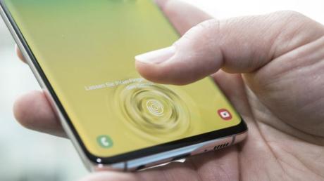 Bei den Samsung-Smartphones Galaxy S10, S10+ und Note 10 gab es Probleme mit den Fingerabdrucksensoren - sie sind nun offenbar aber gelöst.