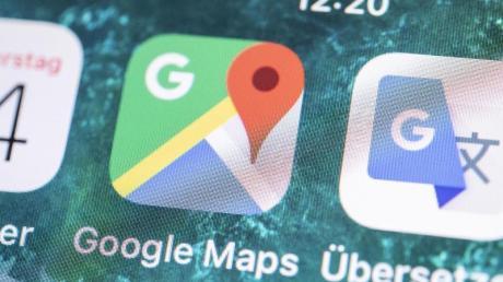 Google Maps wird zum Übersetzer: Nutzer können künftig auf ein Lautsprecher-Symbol neben einem Ortsnamen drücken, und die App spricht ihn laut aus. Foto: Robert Günther/dpa-tmn