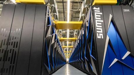Der Supercomputer «Summit» von IBM ist wieder der schnellste Supercomputer der Welt. Foto: Carlos Jones/Oak Ridge National Laboratory, U.S. Department of Energy/dpa