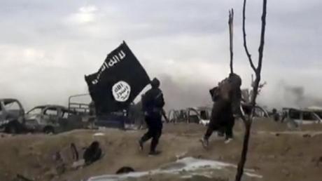 Solche Bilder soll es im Netz nicht mehr geben: Europäische Ermittler haben Server des IS-Sprachrohrs Amak erfolgreich angegriffen und lahmgelegt.