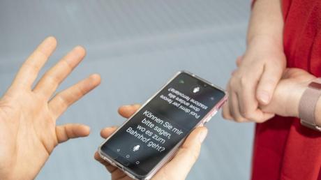 Hey, mit der App spreche ich ja fast Italienisch. Der Microsoft Übersetzer hilft im Ausland bei einfacher Konversation.