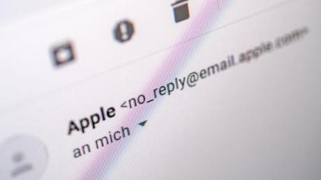 E-Mails, die angeblich von Apple kommen, sollten Nutzer von iPhone und Co in diesen Tagen besonders aufmerksam anschauen. Es sind betrügerische Nachrichten im Umlauf.