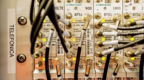 Telefónica hinkt nach Angaben der Bundesnetzagentur beim Ausbau von LTE hinterher.