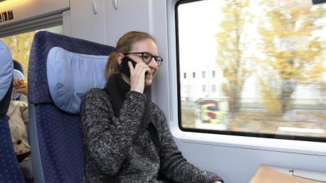 Die Bahn experimentiert derzeit mit neuartigen Fenstern für einen besseren Handyempfang.
