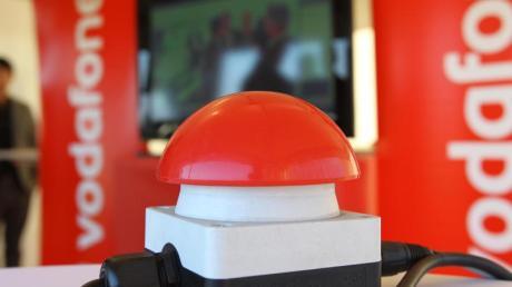 Im Ostseebad Heiligendamm steht am 23.09.2010 der «Rote Knopf» zur Inbetriebnahme des ersten Vodafone-Standortes der neuen Mobilfunkgeneration LTE in Deutschland bereit.