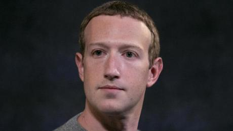 Mark Zuckerberg, Vorstandsvorsitzender von Facebook, stellt nach massiver Kritik an der Untätigkeit des Online-Netzwerks bei umstrittenen Äußerungen von US-Präsident Donald Trump einige seiner Regeln auf den Prüfstand.