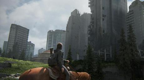 Ausritt: In «The Last of Us Part 2» erkundet der Spieler unter anderem die völlig zerstörte US-Metropole Seattle.