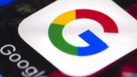 Google schließt zum ersten Mal Lizenzverträge mit Zeitungsverlagen.