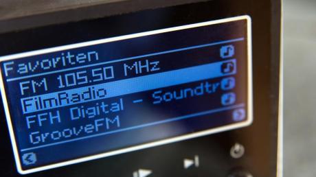 Ohne Sender-Verzeichnis im Hintergrund können die meisten Internetradios keine neuen Stationen mehr finden.
