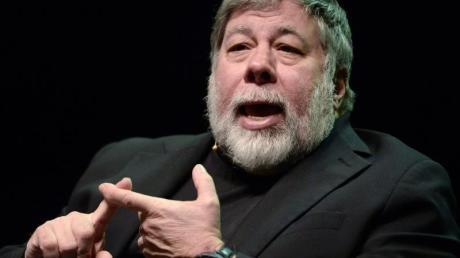 Apple-Mitbegründer Steve Wozniak spricht bei einer Diskussion beim Worldwebforum.