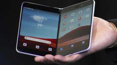 Microsofts Klapp-Smartphone «Surface Duo» kann nun in den USA vorbestellt werden. Ob und wann das Gerät außerhalb der USA angeboten wird, ist bisher unklar.