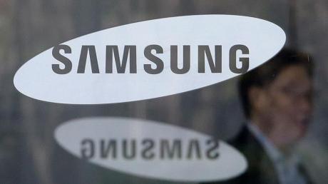 Samsung tritt mit seinem eigenen Bezahldienst vor allem gegen Google Pay an, weil der Bezahlservice des US-Konzerns auch auf Smartphones von Samsung verfügbar ist.