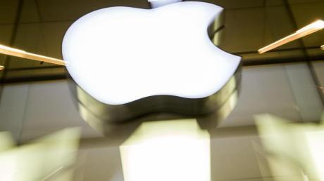 Die EU-Kommission will eine Entscheidung um Milliarden schweren Steuernachforderungen gegen Apple erneut prüfen lassen.