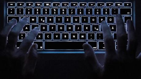 Auch die Landkreise Unterallgäu und Neu-Ulm bleiben von Cyberangriffen nicht verschont. Das jüngste Beispiel ist die Cyberattacke auf die Molkerei Ehrmann in Oberschönegg.