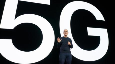 Apple-CEO Tim Cook stellt in einer Videoübertragung aus Cupertino die neue iPhone-Generation vor.