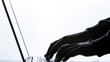 Für Online-Kleinanzeigenmärkte denken sich Betrüger immer neue Tricks aus. Ein Bissinger und ein Bächinger sind zuletzt betrogen worden.